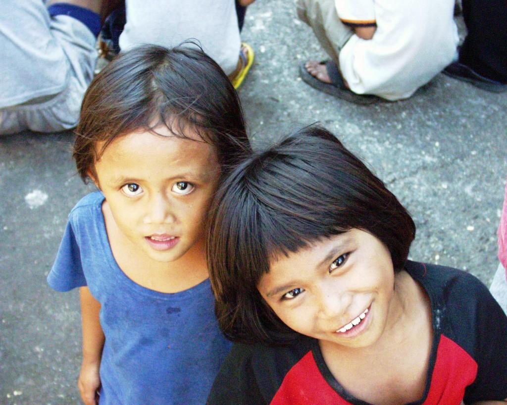 Smiling Girls - Cebu