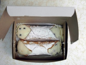 Presti's Cannoli to go