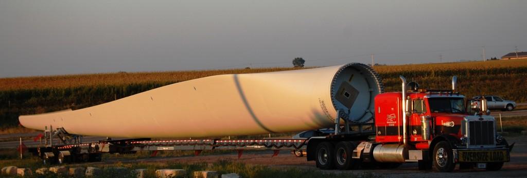 Truck with Wind Turbine Blade in Walcott, IA at Iowa 80 Truck Stop