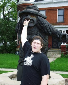 Solomon has picked one of his favorite giant wooden trolls in Mt. Horeb, WI.  There are over 30 in town. Sept 2007